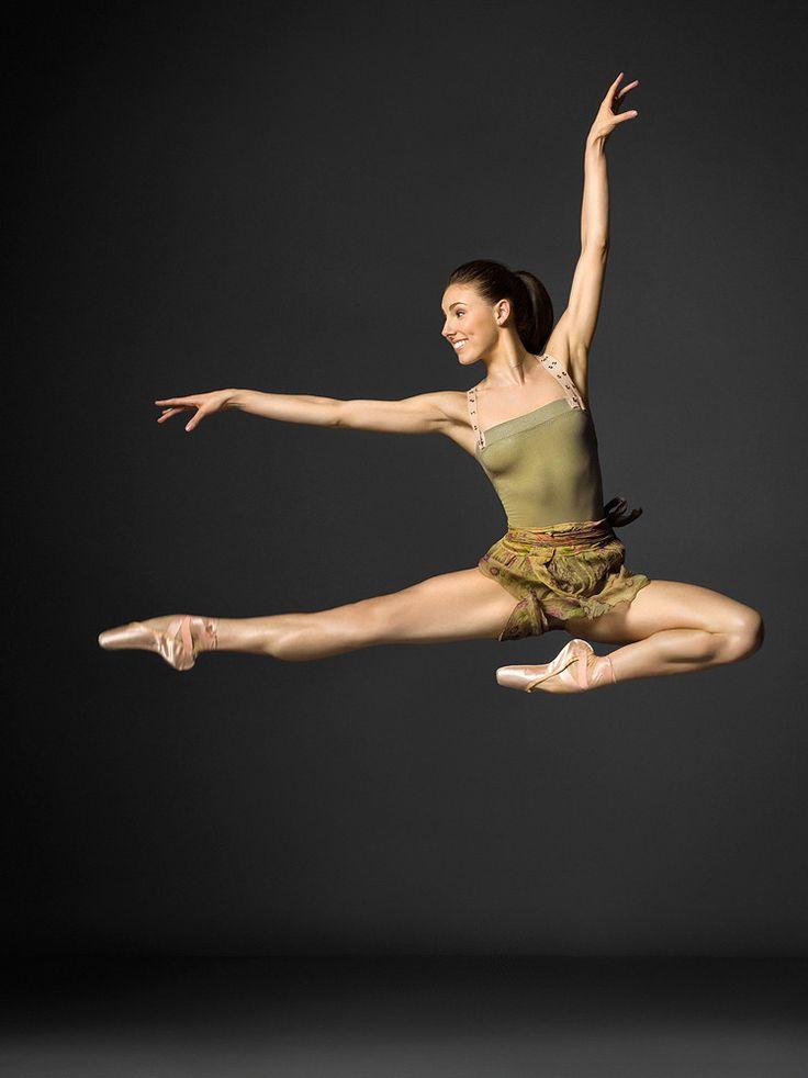 Strick a poise  http://ballet-every-day.tumblr.com/post/23615975577/dancesht-henry-leutwyler