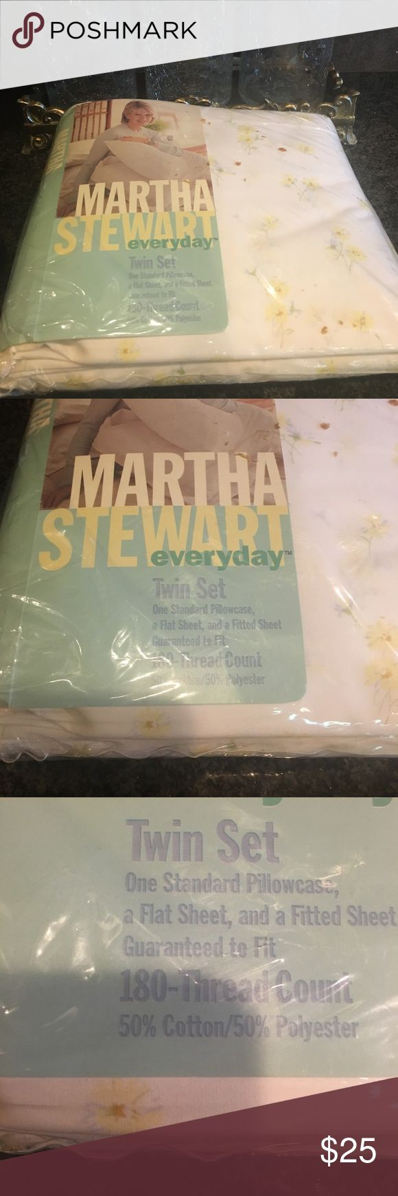 Martha Stewart twin sheet set Martha Stewart mini daisy twin set . Comes with 1 standard pillow case, 1 flat sheet, and 1 fitted sheet. 180 thread count . Martha Stewart Other