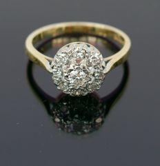 Antieke Victoriaanse ring 18kt goud, diamant - platina 9 stenen clusterring