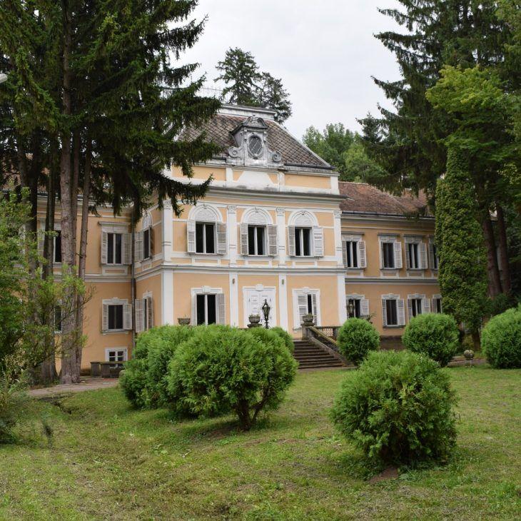 Le chateau Szentkereszty, petit trésor caché de Roumanie qui fut l'une des anciennes demeures d'été de Nicolae Ceausescu