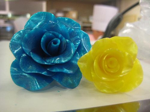 Pulled Sugar Flowers!! Someday I would love to learn the art of pulling sugar...Looks so fun!!