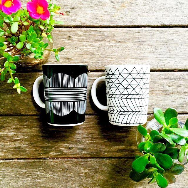 Two for tea. #bzyoo #homedecor #decor #love #two #tea #coffee #design #homewares #black #white #hipster #flowers #wood #bzyoo #home