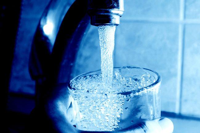 Charente-Maritime : Une eau de robinet idéale pour favoriser la maladie d'Alzheimer ?  Nature Environnement 17 alerte les autorités sur le traitement des eaux potables aux sels d'aluminium en Charente- Maritime. Une méthode qui favoriserait le développement de la maladie d'Alzheimer.
