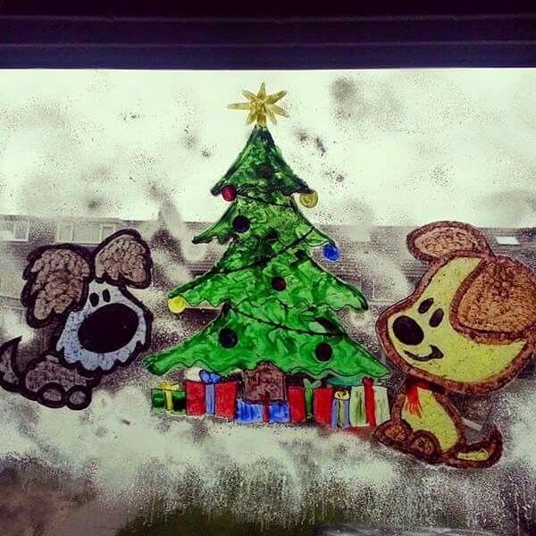 Raamschildering Woezel en Pip kerst