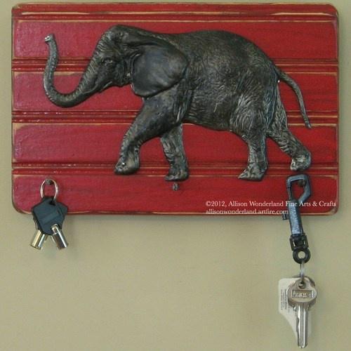 Hand-made wall-mounted Alabama Roll Tide elephant key holder wall hanging - $22.00