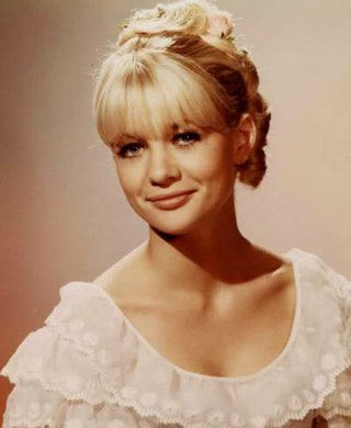 Judy Geeson photo 0judygeeson209y734.jpg