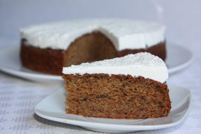 Prune cake -  Torta de ciruelas http://decoraciondemabel.blogspot.com.es/2013/04/torta-de-ciruelas-lilian.html