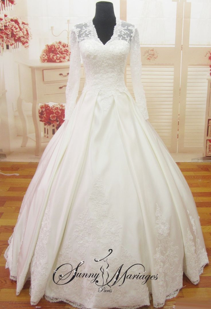 robes de mariage, robes de mariee, robe de mariee princesse kate middleton dentelle manches longues   Sunny Mariages