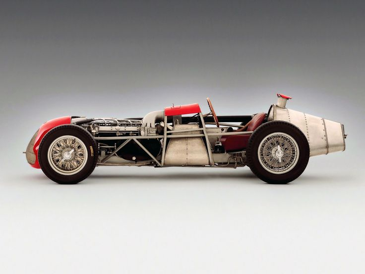 There's nothing like removing some bodywork to show you the real genius behind automotive design. This 1951 Alfa Romeo Tipo 159 Alfetta...