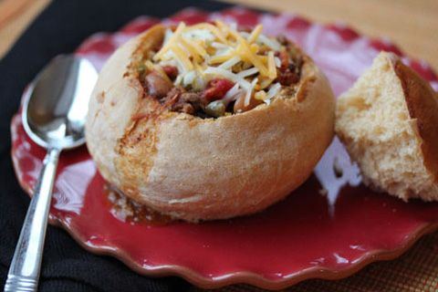 Fill Your Freezer with My Ten Favorite Frozen Meals from Erin on SC Johnson's Family Economics blog.Breads Maker Recipe, Chilis Recipe, Pinch Recipe, Fall Food, Homemade Breads Bowls, Breadmaker Recipe, Warm Breads, Food Recipe, Bread Maker Recipes