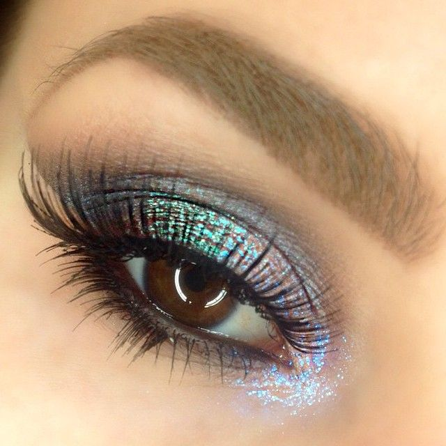 Absolutely gorgeous! We are crushing on this look by brielizabethmakeup using Makeup Geek's Nautica eyeshadow and Insomnia pigment.