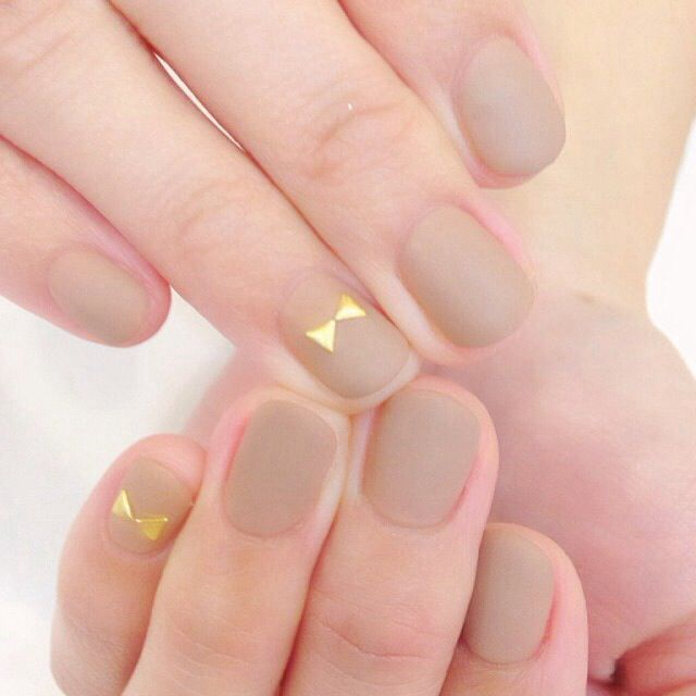 Nude and matte.