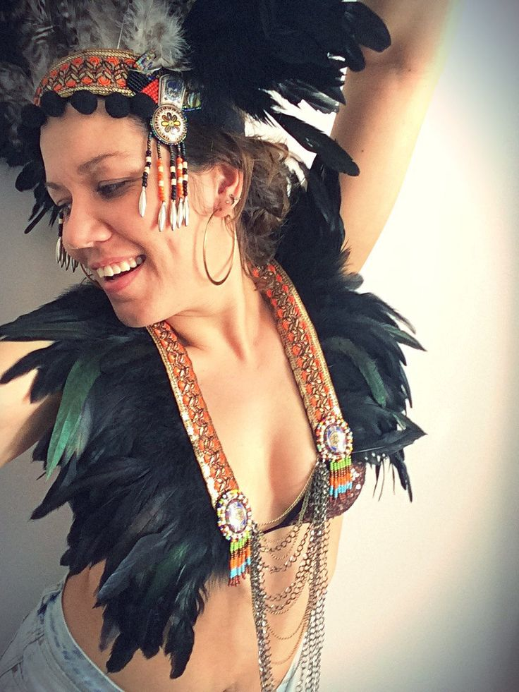 Feather festival collar, feather festival tribal chain breastplate, tribal capelet, tribal feather collar, Burning Man, Coachella clothing by feathersandthreaduk on Etsy and www.wildthing.com #BurningMan #burnerbabes #bohostyle #coachellaclothing #coachellerstyle #festivalfashion
