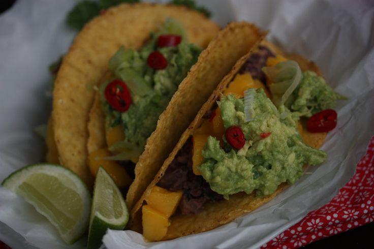 vegetartaco med mangosalsa og guacamole