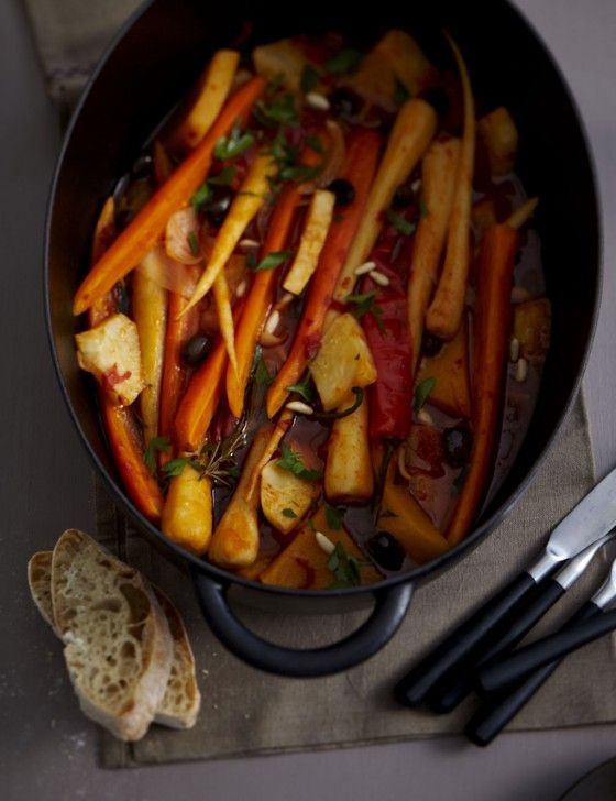 Wurzel-Schmortopf - Vegane Rezepte: Hauptspeisen - 25 - [ESSEN & TRINKEN]