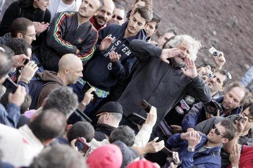 La Barberia e gli altri privilegi che la Casta sta per perdere - Yahoo! Notizie Italia