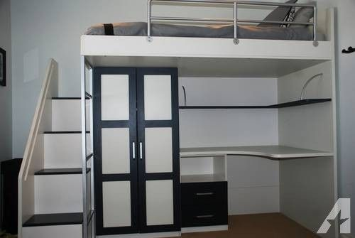 Contemporary Loft Bed W Built In Desk And Closet In 2019