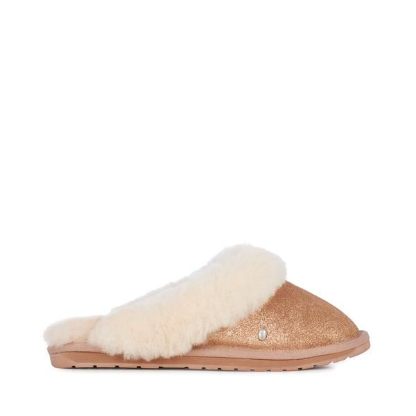 How about treating yourself or a loved one to these EMU Australia Jolie Rose Gold Metallic Sheepskin Slippers now in SALE !!! Also available in silver metallic leather....take a look at www.heelsboutique.co.uk