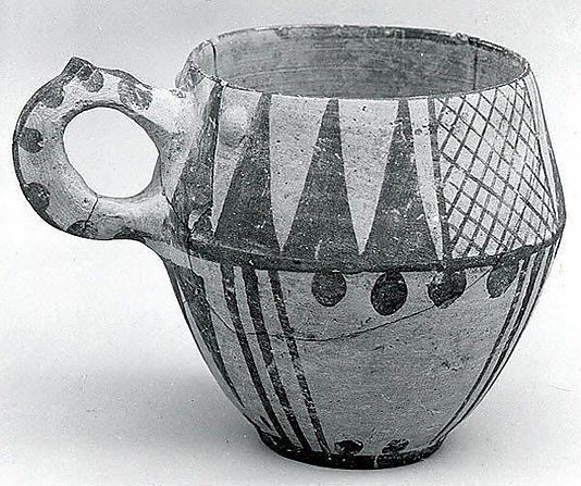 One-handled cup Period: Iron Age II Date: ca. 1000–900 B.C. Geography: Iran, Tepe Sialk Medium: Ceramic, paint Dimensions: 3.5 in. (8.89 cm)