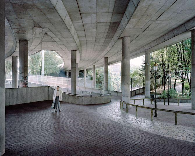 les Bâtiments délabrés oubliés dans Paris capturés par Laurent Kronental (7)