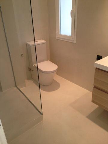 Komcret ® microcemento : Cuartos de baño en microcemento color blanco roto otro…