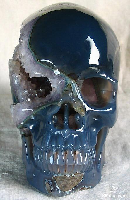 "http://www.skullis.com/pro/4200047.html Giant 6.9"" Geode Agate Carved Crystal Skull, Super Realistic"