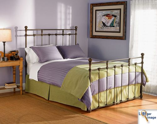 wrought iron bed : )