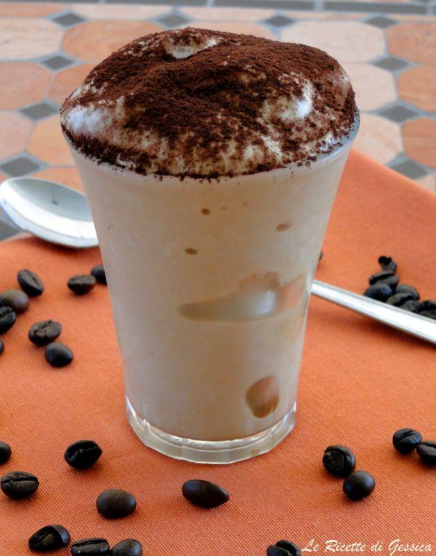Crema di caffè senza latte congelato e panna