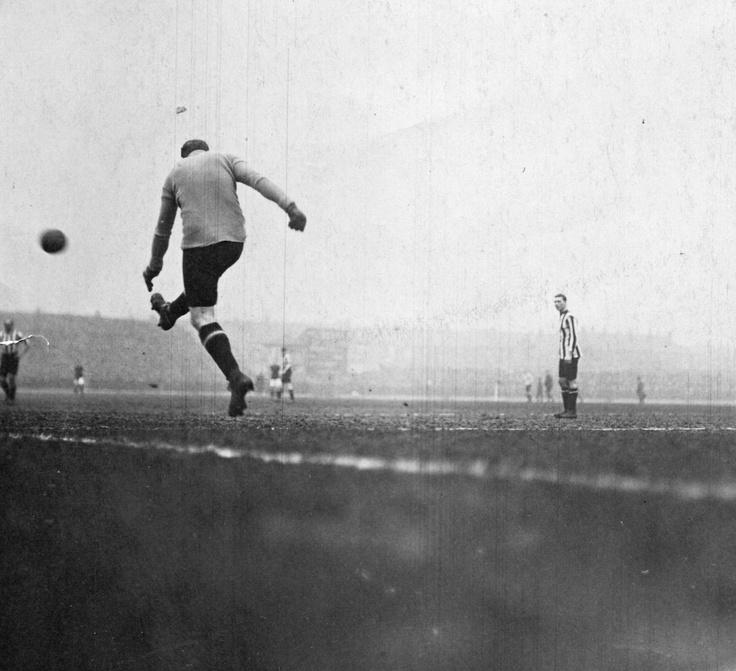 March 1913: FA Cup semi-final Sunderland v Burnley