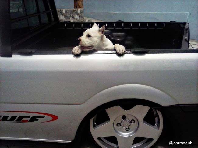 Carro: Saveiro Surf G4 Cor: Prata Marca da Roda: Volcano Wheels Modelo da Roda: Tarmac Aro: 18 Modelo Pneu: Achilles Perfi