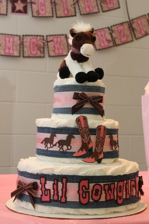 Next persons that has a baby girl... Cowgirl Baby Shower - Diaper Cake