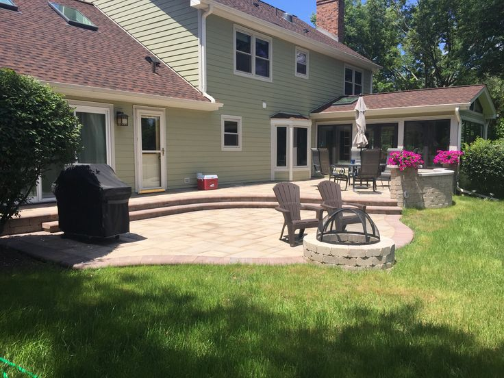 Multi Level Belgard Paver Patio With Weston Wall And Fire Pit