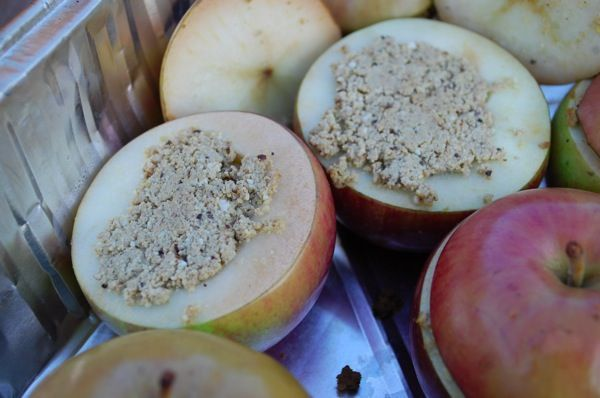 Recipe: Medieval Stuffed Apples - Fearless Kitchen