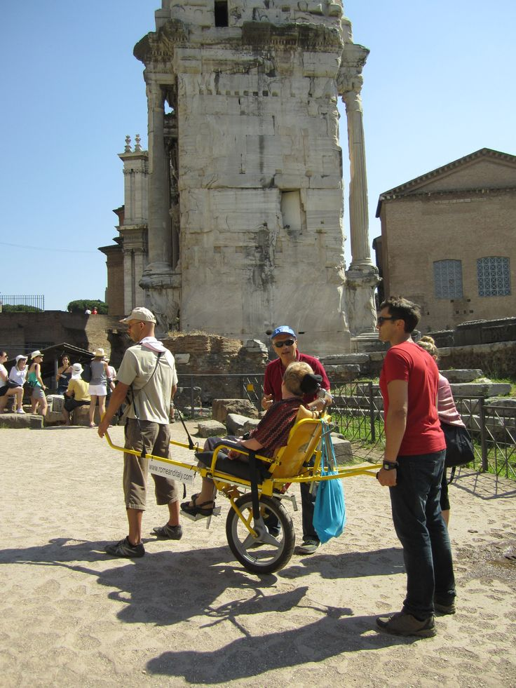 Roman Forum and Palatine with our friends (June 2013) Mrs. Keown and Wheely Trekky accompany us to the discovery of the Imperial Forum!