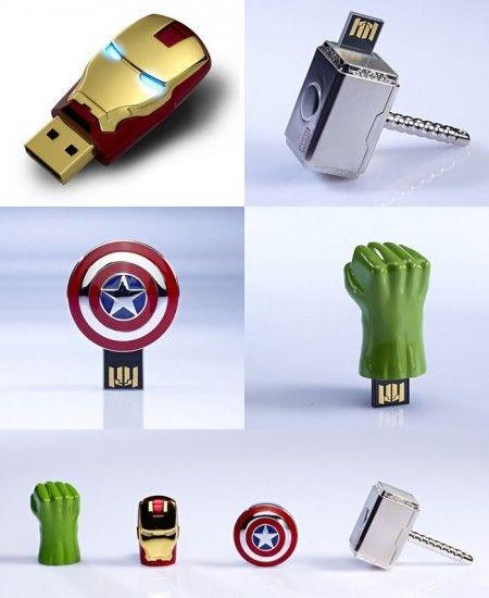"""Usb de los personajes de #Avengers <--- Aperísimos!!! No sé de dónde saca @Rossnt que son """"Cute"""" -.-"""