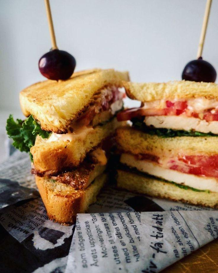 http://ift.tt/2hD8EH7 suolalle #nälkä tai #kapula? Tämä #Vege BLT saattaa olla pelastus  Niin loppuu se vapina  #sänkkäri #chili #tofu