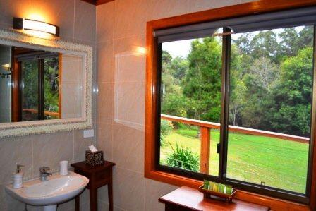 Waterfall Hideout Rainforest Retreat - bathroom with a view.JPG (448×299)