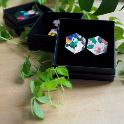 Summer stud earrings | Weecos    Flower patterned, printed and laser cut stud earrings. Made in Finland with love.