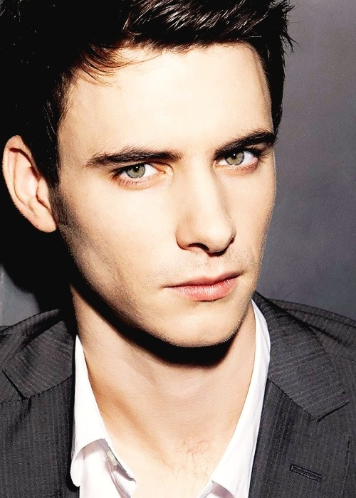 Harry Lloyd. Harry Lloyd is an English actor.