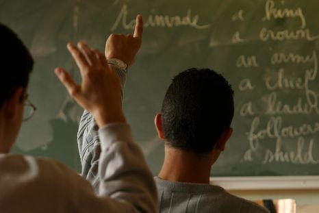 Nuorten työttömyys on huolestuttava asia kuten Aamulehden artikkelissakin kerrotaan: http://www.aamulehti.fi/Kotimaa/1194766897358/artikkeli/nuorten+itseluottamus+kovilla+-+miksi+kouluttautua+jos+ei+paase+toihin.html