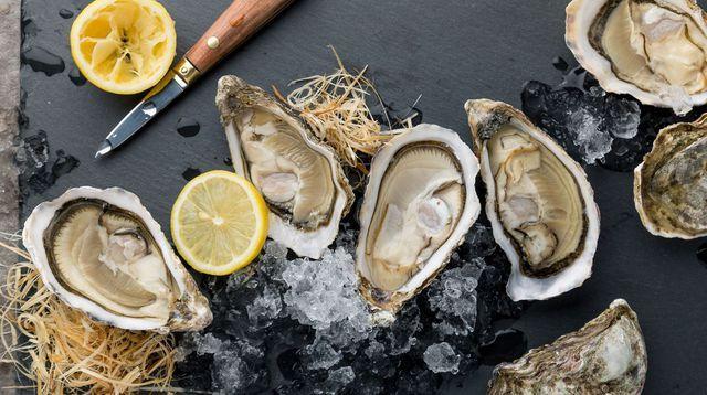 VIDEOS. Comment ouvrir des huîtres sans se blesser