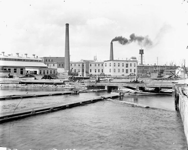 The E.B. Eddy Company, Chaudière Falls, Hull, Quebec. Looking North-East across Hurdman Mill forebay. Topley Studio, BAC MIKAN no. 3377529