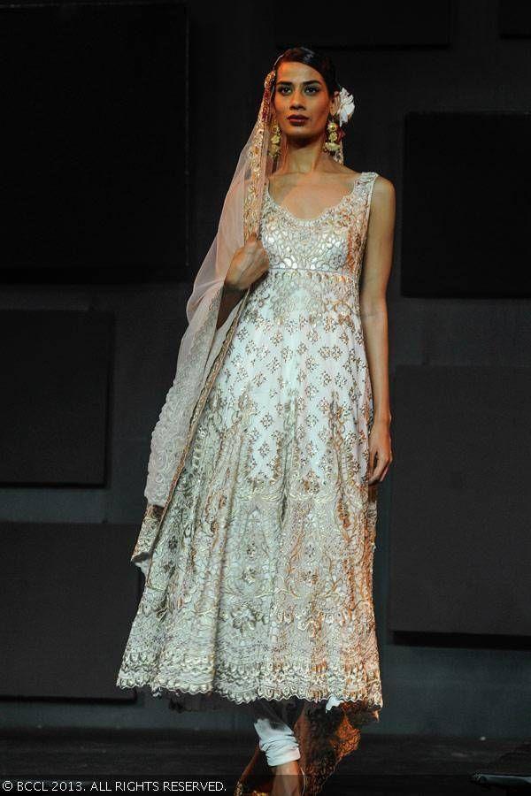 Suneet Verma anarkali for Blenders Pride Fashion Tour 2013.