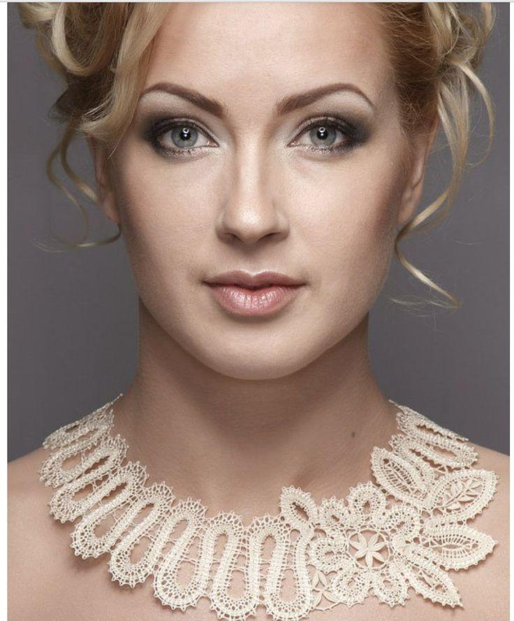 awesome bobbin lace necklace.