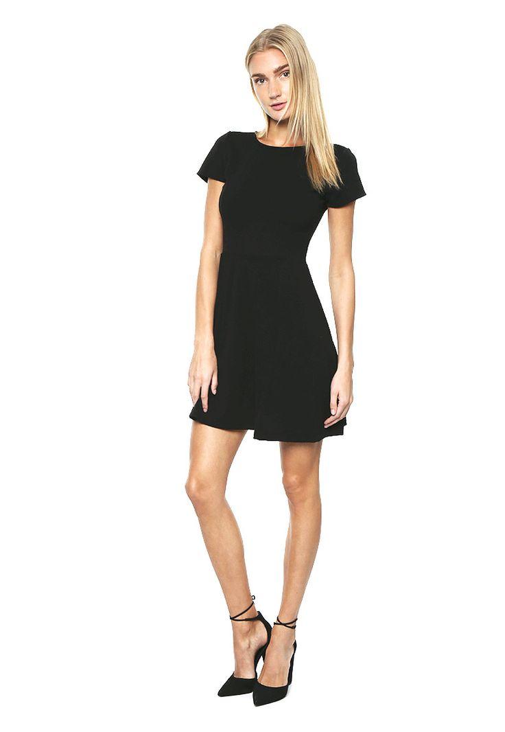Vestido Negro Corte Patinadora
