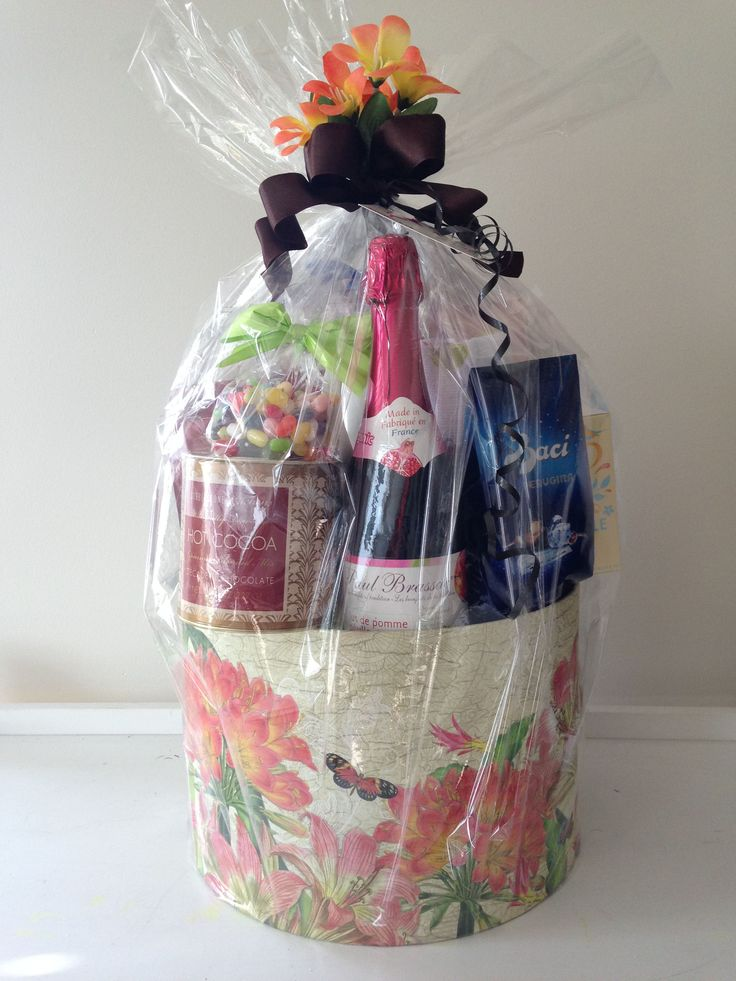 GORGEOUS GIFT BASKETS!!! ------- BY pinkshark.ca http://www.pinkshark.ca/