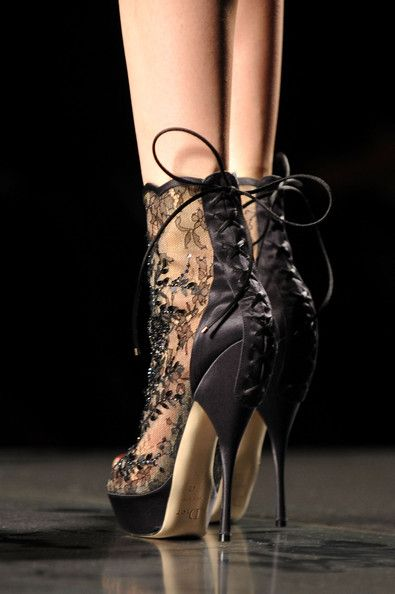 DiorBlack Lace, Paris Fashion, Fashion Weeks, Lace Heels, Christian Dior, Black Heels, Lace Shoes, High Heels, Boots