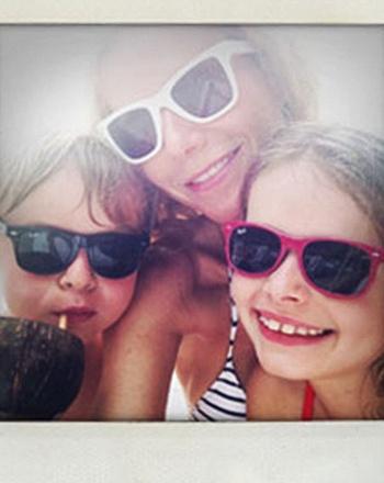 Gwyneth posa con sus hijos