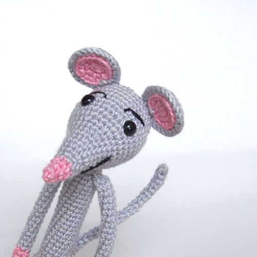 Vilma crocheted mouse