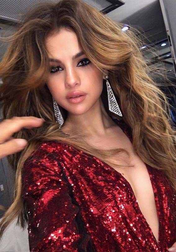 Inspirational Shades Of Brown Hair Colors For Long Hair To Show Off Right Now You Can See Here Our Latest Hai Selena Gomez Hair Selena Gomez Style Hair Styles